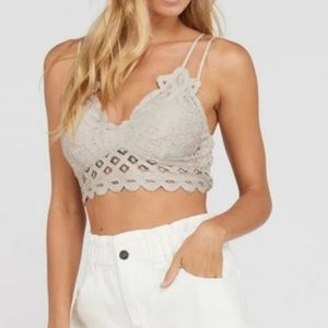 NWT Double Strap Scalloped Lace Bralette Champagne